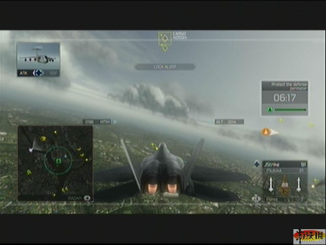 一上来就是漫天的飞机大混战,敌机种类也有很多,将僚机的状态调整为
