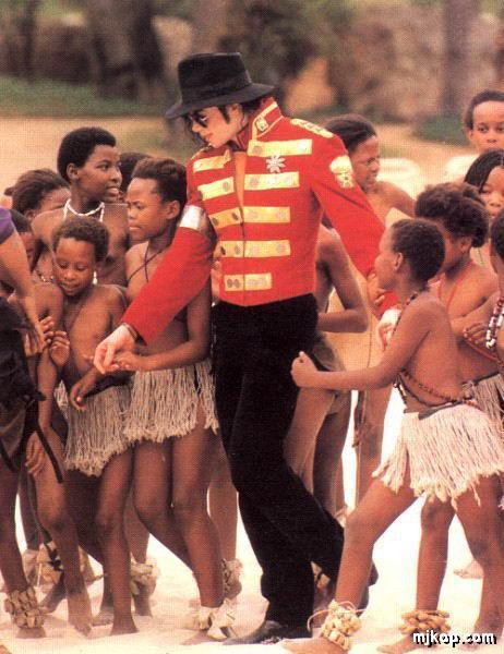 http://www.ali213.net/picfile/News/200912/MJ.jpg