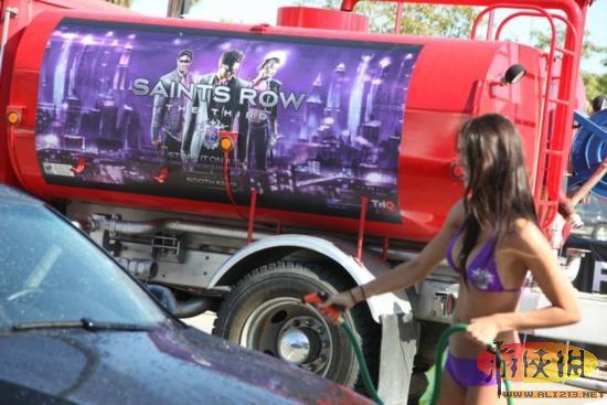 《性感性感3》E3黑道v性感妹子比基尼洗车女紧身裤另类的黑圣徒图片