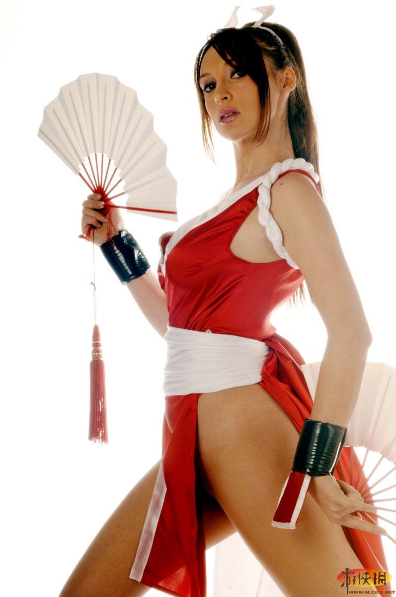 欧美范儿的格斗女神 意大利coser诠释不知火舞